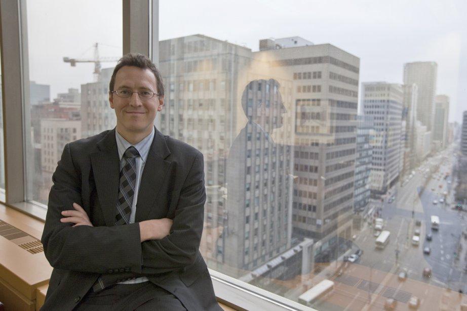 NicolasBeauprétravaille à Banque Nationale Assurances depuis six ans.... (Photo Olivier Pontbriand, La Presse)