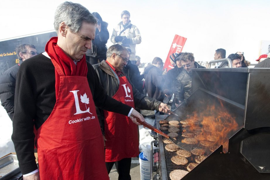 Le chef du Parti libéral, Michael Ignatieff, jouait... (Phot: Jonathan Hayward, PC)