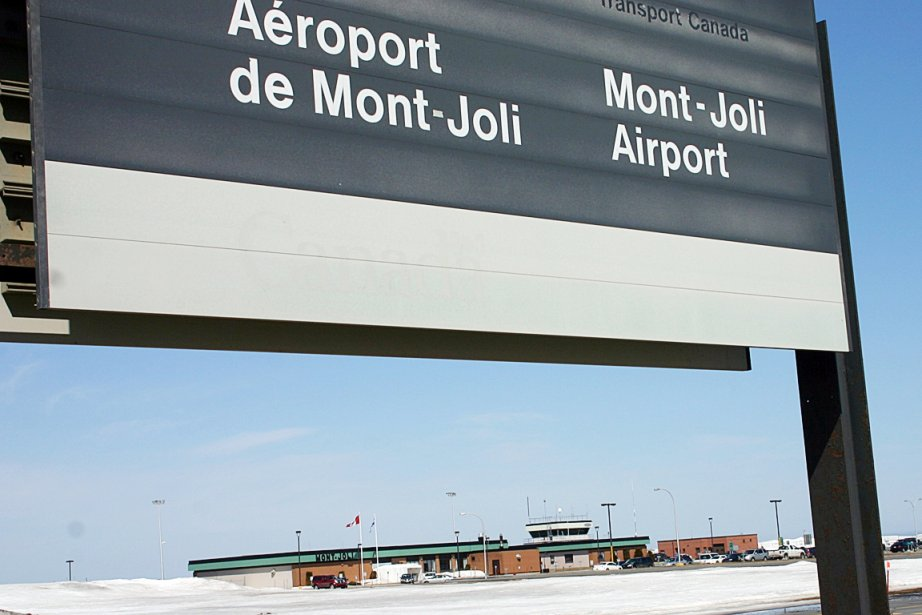 mont joli chatrooms The closest major airport to cap-chat, canada is mont-joli airport (yyy / cyyy) this airport is in mont-joli, canada and is 135 km from the center of cap-chat, canada if you're looking for domestic flights to yyy, check the airlines that fly to yyy.