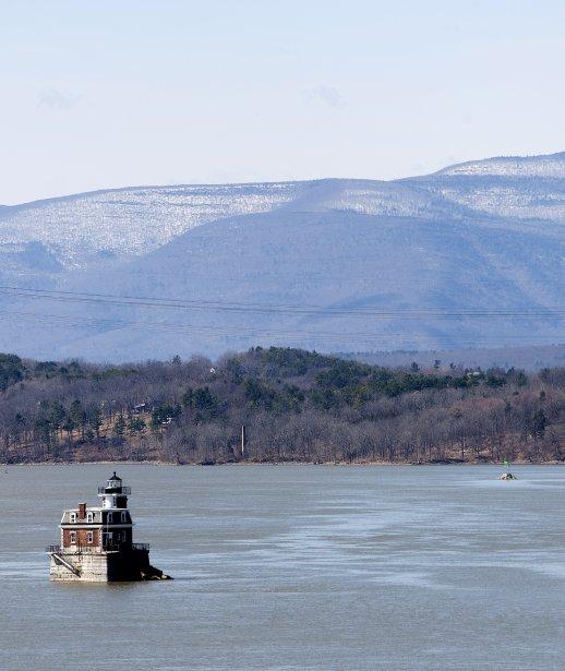 Un phare dans la Rivière Hudson. (Marco Campanozzi, La Presse)