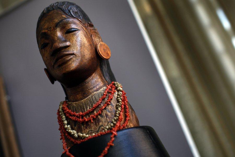 Jeune Tahitienne de Paul Gauguin... (Photo: Reuters)