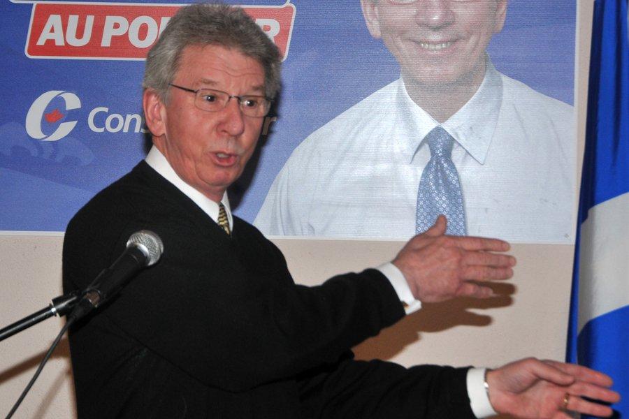 Le ministre conservateur Jean-Pierre Blackburn a été défait... (Photo: Sylvain Dufour, Le Quotidien)