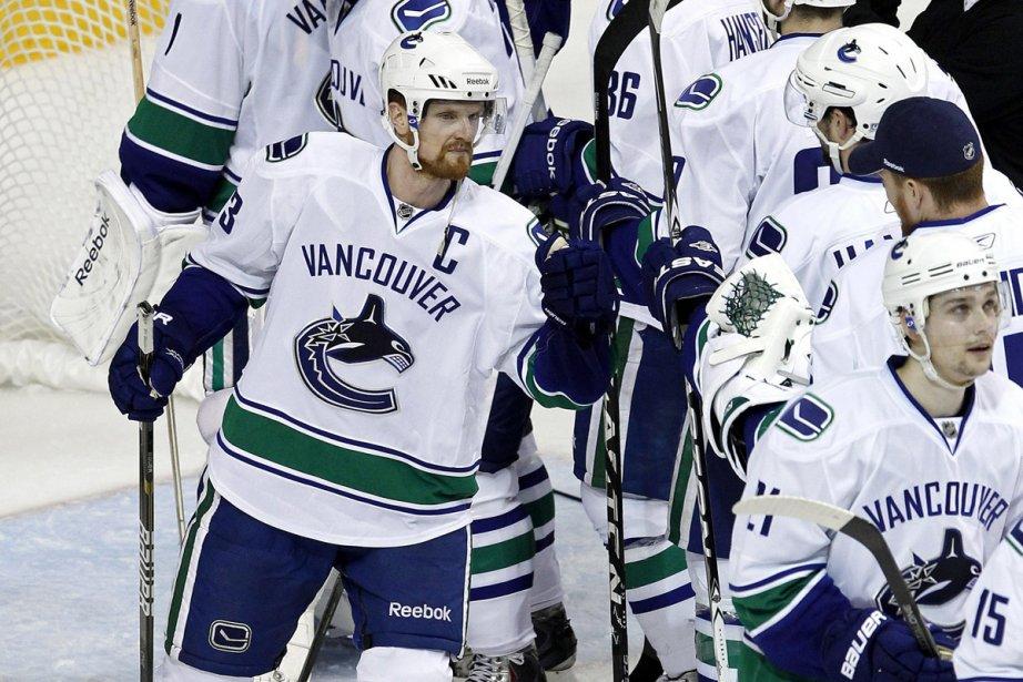 Les Canucks ont pris les devants 3-1 dans... (Photo: AP)