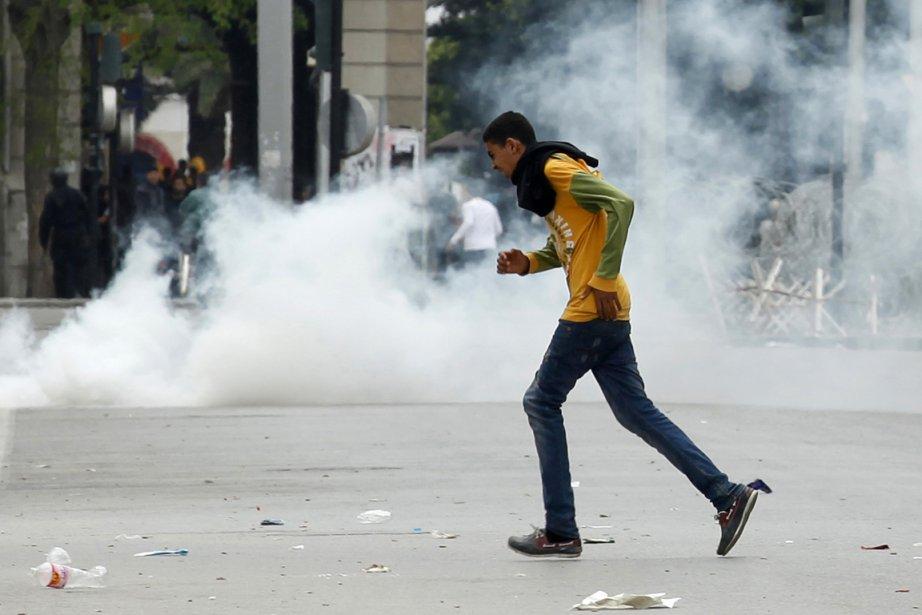 À Tunis, des manifestations contre la lenteur des... (Photo: Reuters)