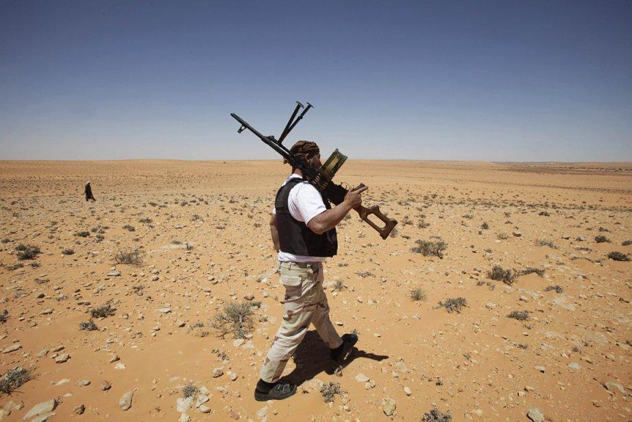 Les rebelles, dopés par leur succès à l'aéroport... (Photo: Reuters)