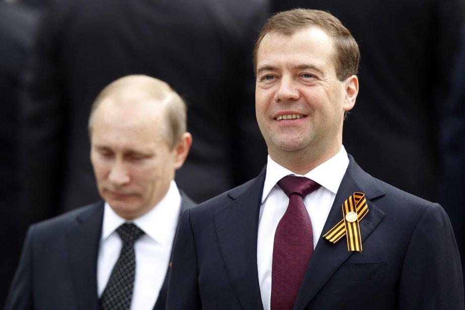 Dmitri Medvedev et Vladmiri Poutine vont-ils se disputer... (Photo: AFP)