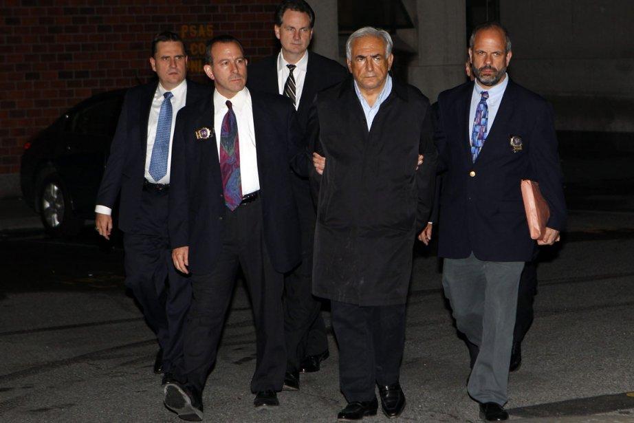 Le président du FMI Dominique Strauss-Kahn sortant du... (Photo Reuters)