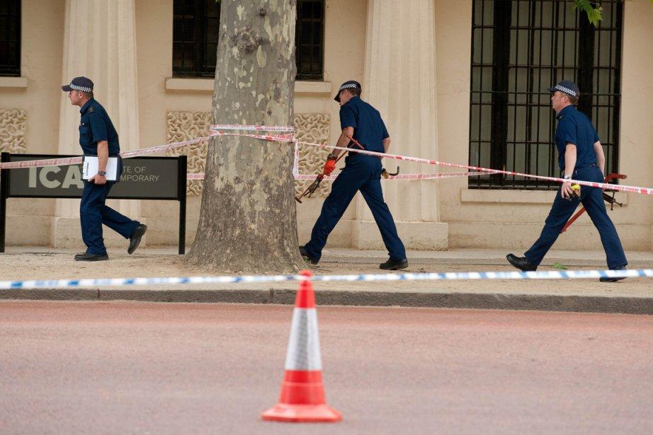 Les services de sécurité ont fermé le Mall,... (Photo: AFP)