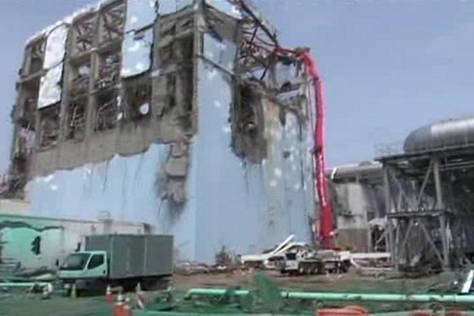 Vue du réacteur numéro 4 de la centrale... (Photo: AP)