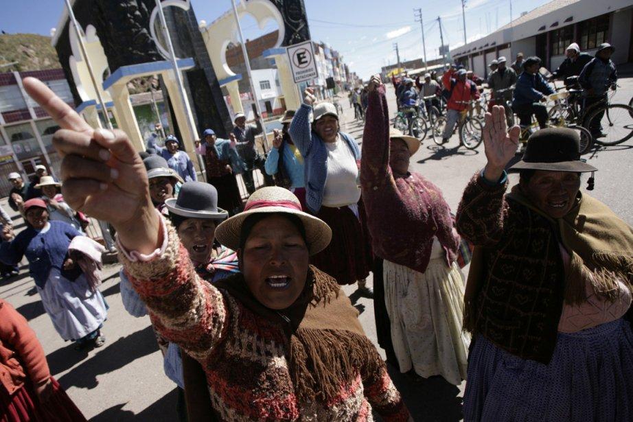 À Desaguadero, des paysans protestent contre le projet... (Photo: AFP)