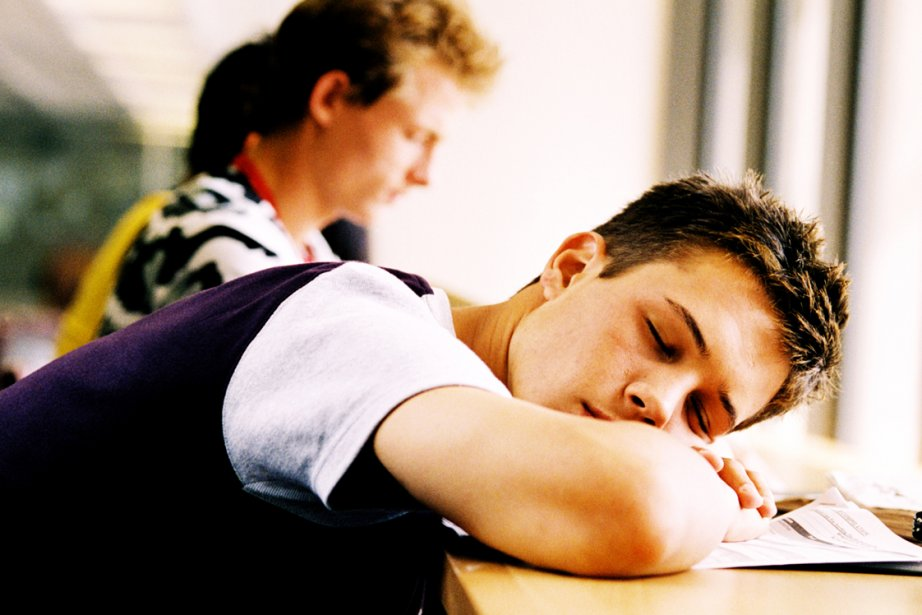 Les ados sont-ils de plus en plus surmenés et épuisés? C'est ce... (Photos.com)