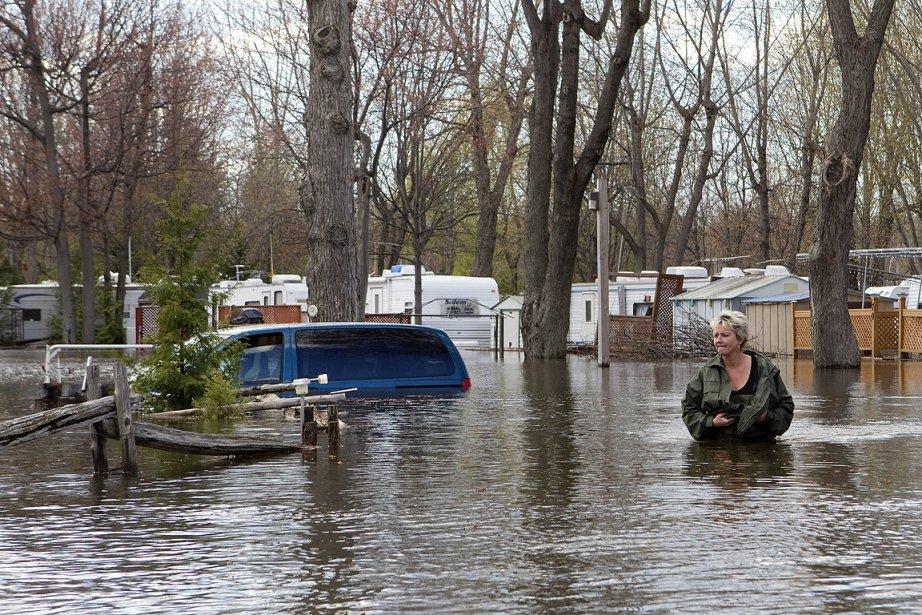 les soldats sont pr ts intervenir en mont r gie assure ottawa val rie simard inondations. Black Bedroom Furniture Sets. Home Design Ideas