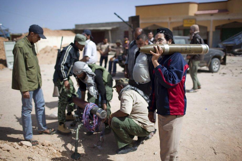 Dimanche, en marge de sa visite à Benghazi,... (Photo: AP)