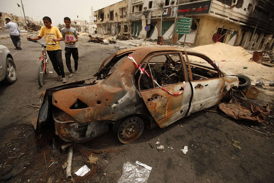La ville de Misrata a été lourdement endommagée... (Photo: Reuters)