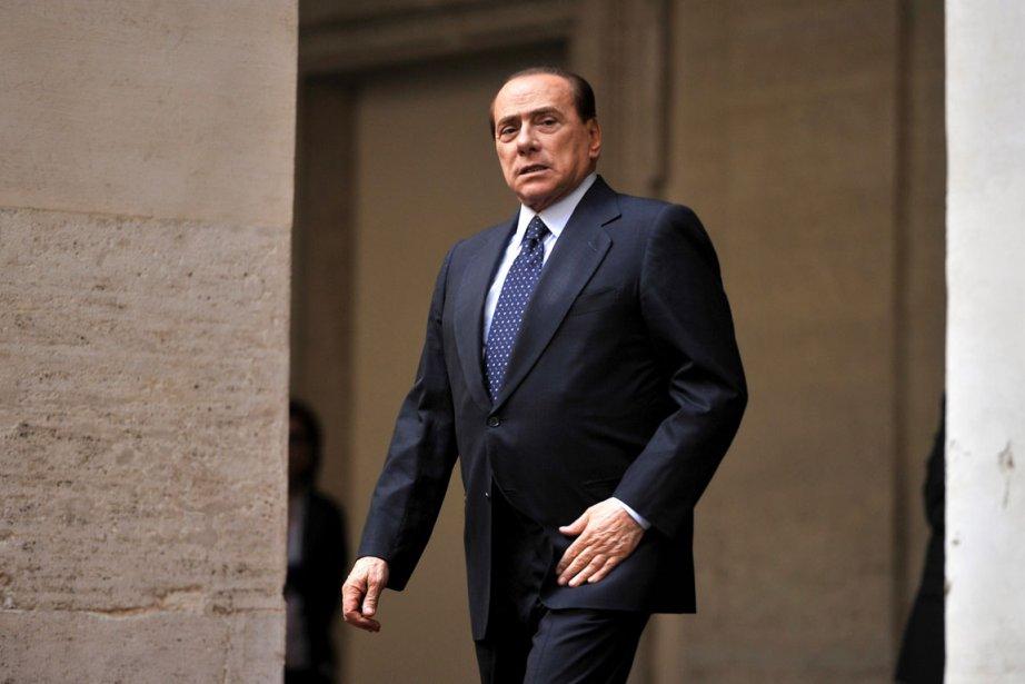 M. Berlusconi a contribué lundi à durcir le... (Photo: AFP)