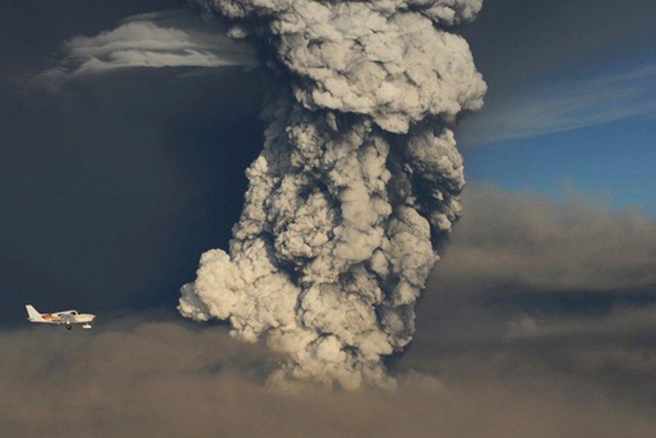 Le volcan en éruption  Grimsvötn... (Photo: Reuters)