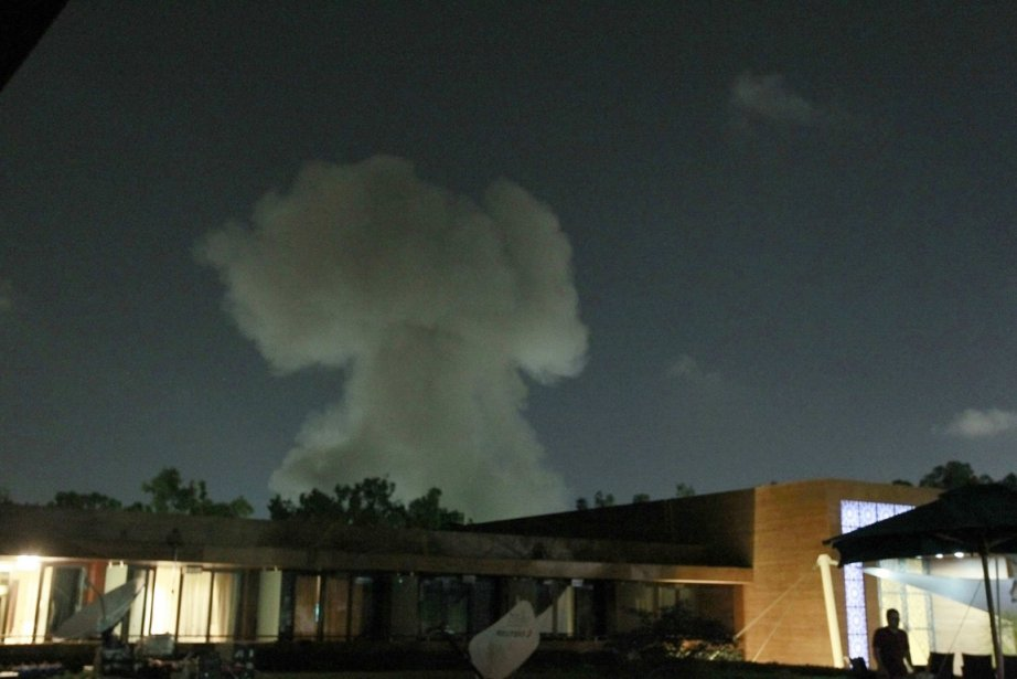 Image d'une explosion à Tripoli ce mardi.... (Photo Reuters)