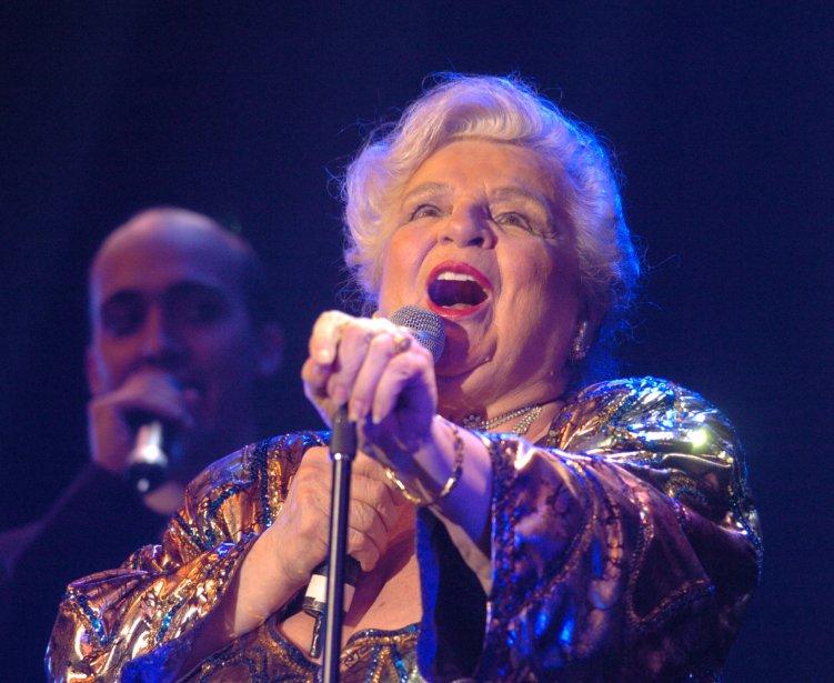 Alys Robi présente le spectacle Si Alys m'était chantée au cabaret du Casino de Montréal, en 2005. (Photo: Martin Chamberland, Archives La Presse)