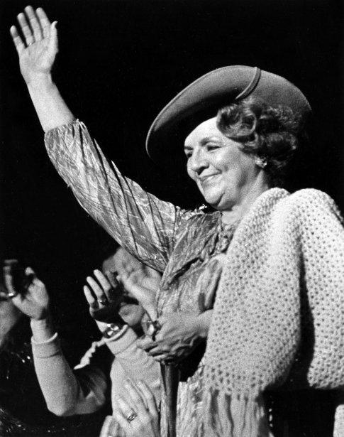 Alys Robi, lors d'un spectacle de Diane Dufresne au Forum de Montréal, en 1980. (Archives La Presse)