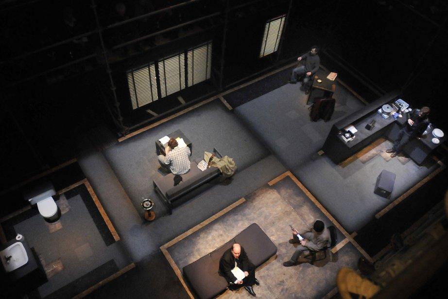 Pour assister à Octobre 70, l'adaptation théâtrale du... (Photo: Louise Leblanc, FTA)