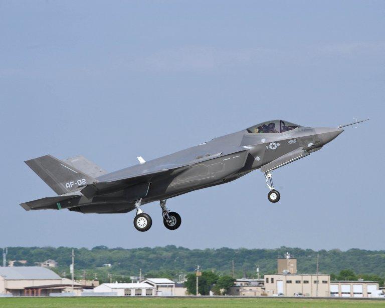 Abandonner le F-35 priverait le Canada du prestige... (Photo Reuters)