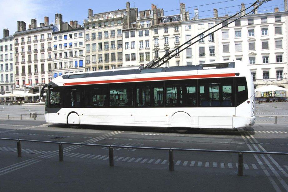 Le trolleybus est une sorte de croisement entre... (Photo: FrancePhoto)