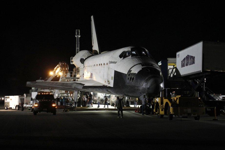 La navette Endeavour est revenue au Centre spatial... (Photo: Reuters)