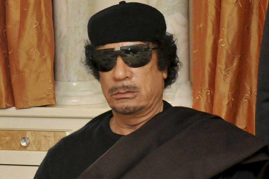 Mouammar Kadhafi lors de sa rencontre avec le... (Photo Reuters)