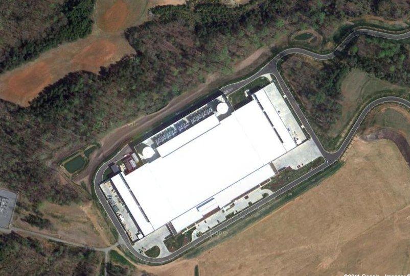 Le centre de données d'Apple vu de l'espace... (Photo: Google)