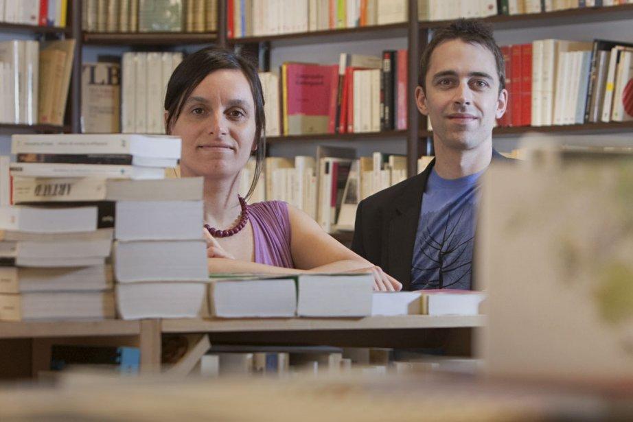 Mylène, plus réservée, en assure la direction littéraire... (Photo: Ivanoh Demers, La Presse)
