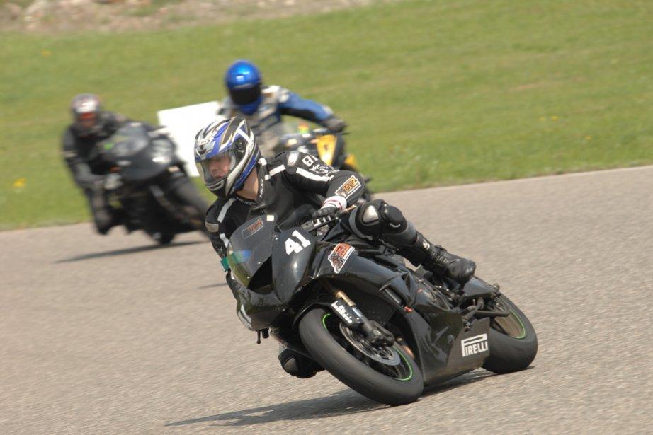 cole de pilotage moto la piste un tourbillon d 39 apprentissage pierre marc durivage moto. Black Bedroom Furniture Sets. Home Design Ideas