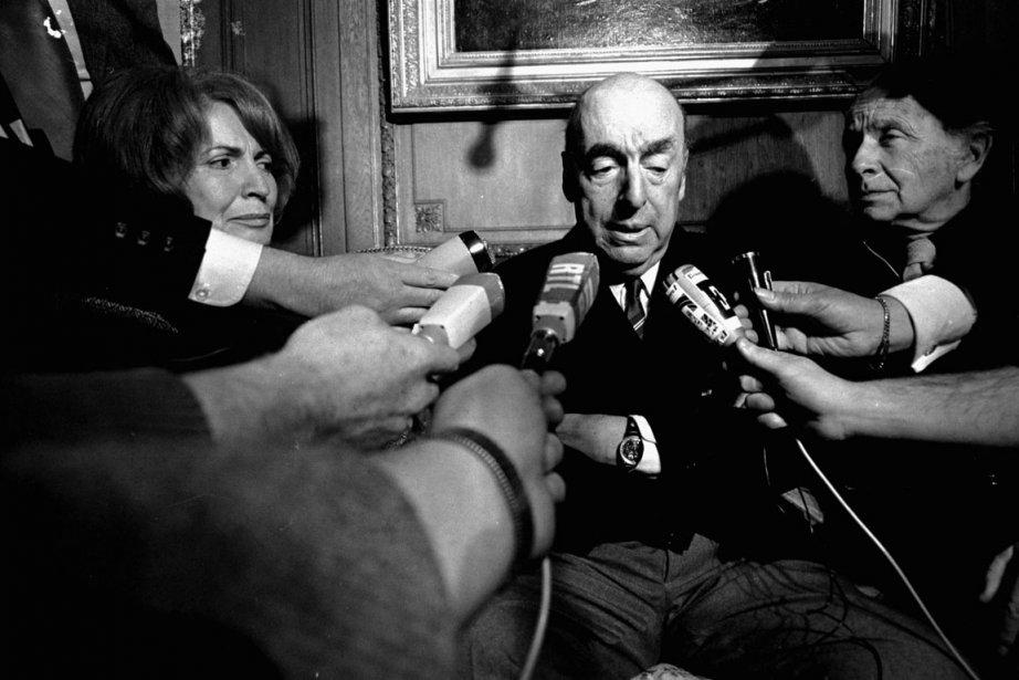 L'écrivain Pablo Neruda en 1971.... (Photo AP)