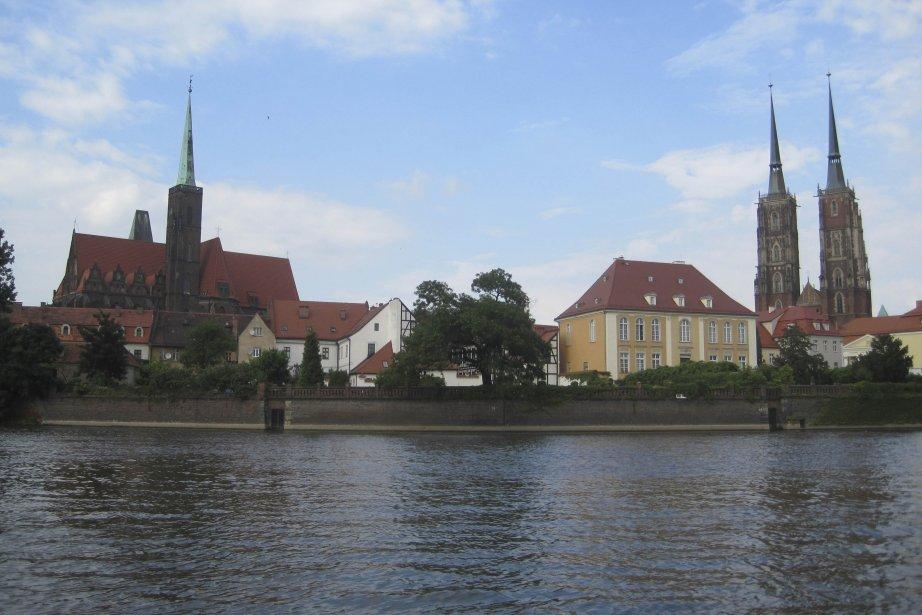 L'Oder traverse Wroclaw.... (Photo: Liliane Lacroix, collaboration spéciale)