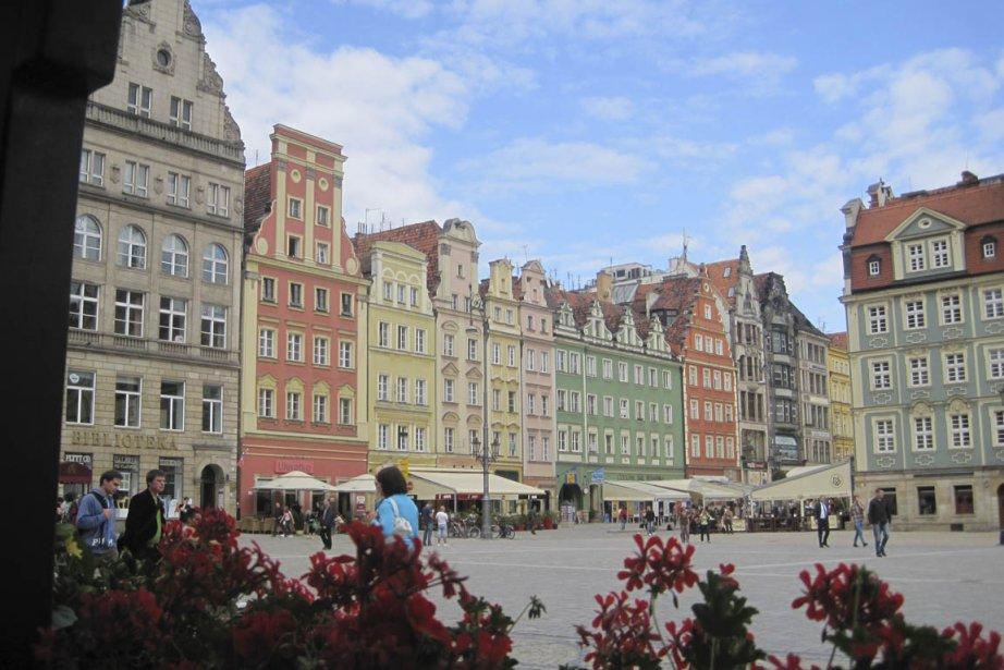 La colorée place publique de Wroclaw est le... (Photo: Liliane Lacroix, collaboration spéciale)
