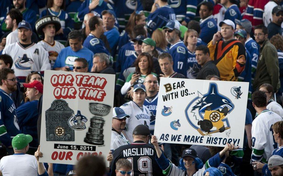 Les rues de Vancouver étaient bondées d'amateurs de hockey. (Photo PC)