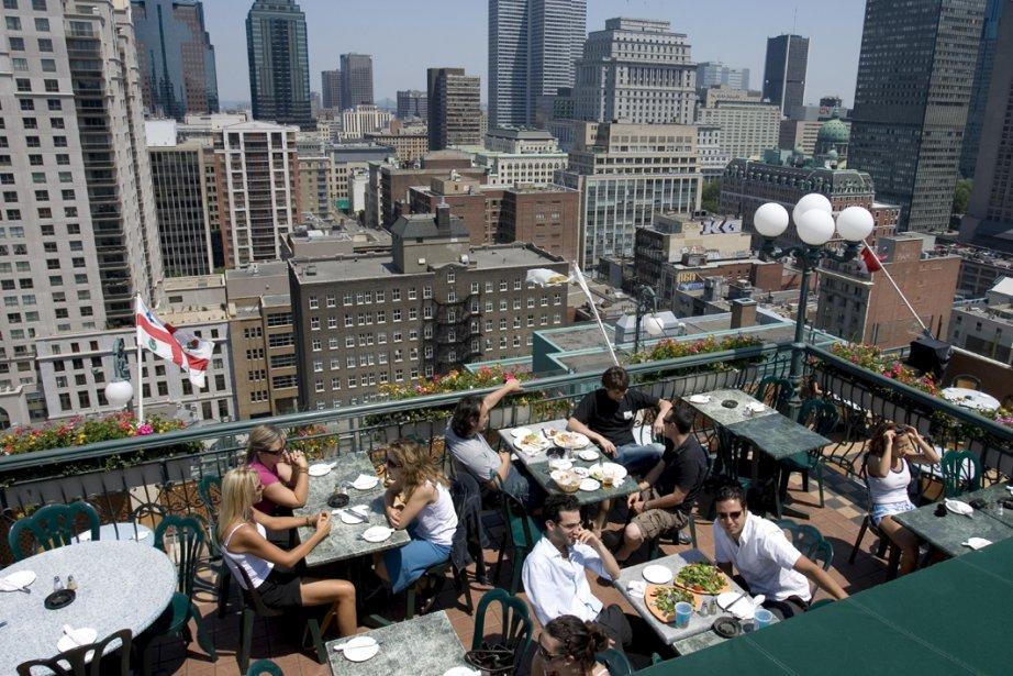 La terrasse Magnétic, sur le toit de l'hôtel... (Photo: Alain Roberge, La Presse)