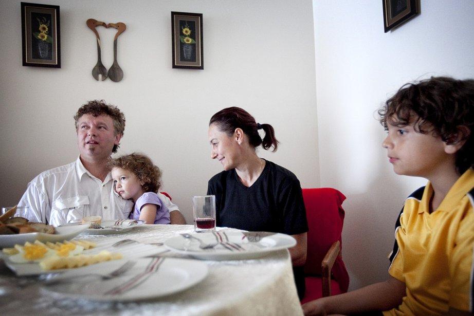 Ciprien Puscas et sa femme Valentina Vancea ont... (Photo: Marco Campanozzi, La Presse)