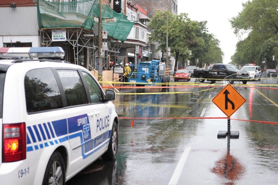 L'avenue Papineau est complètement fermée à la circulation... (Photo: Marco Campanozzi, La Presse)