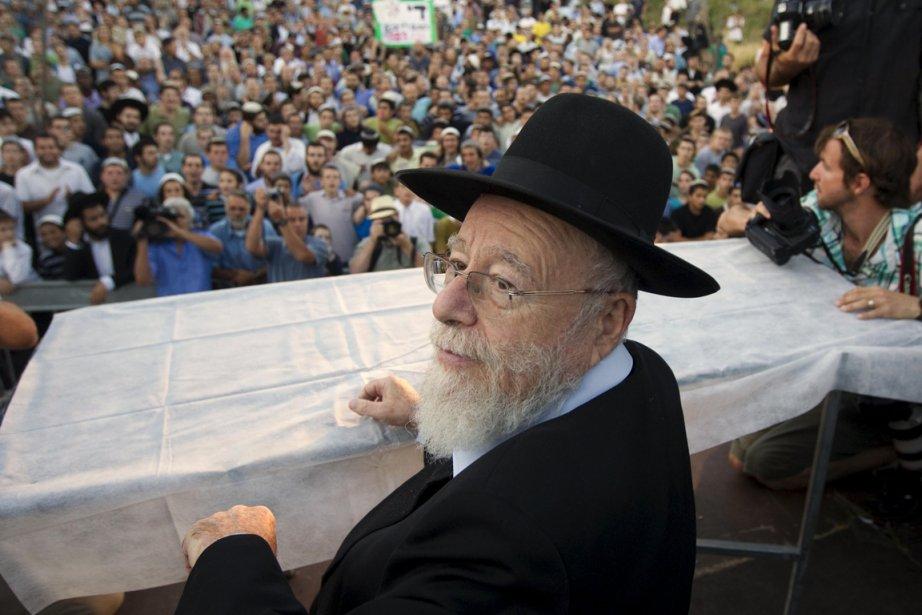 Deux rabbins israéliens, dont Dov Lior (sur la... (Photo Reuters)