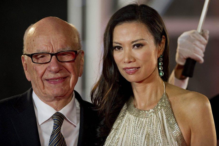 Rupert Murdoch et son épouse Wendy Deng.... (Photo AFP)