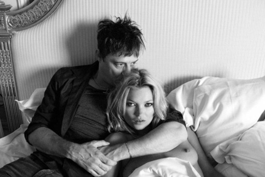 C'est dans la campagne anglaise que Kate Moss, 37 ans, a choisi d'unir sa...