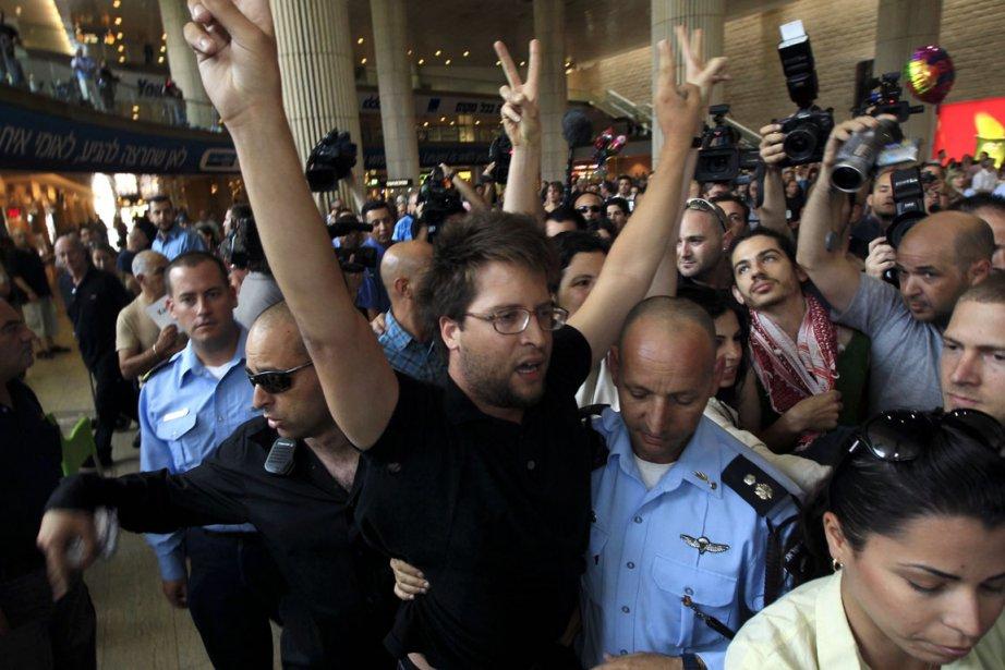 Des Israéliens pro-Palestiniens ont manifesté leur soutien aux... (Photo: Ronen Zvulun, Reuters)