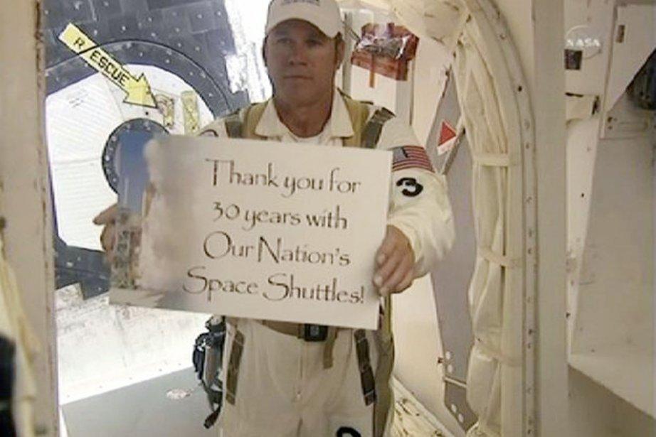 Un membre de l'équipage de la navette Atlantis... (Photo Reuters)