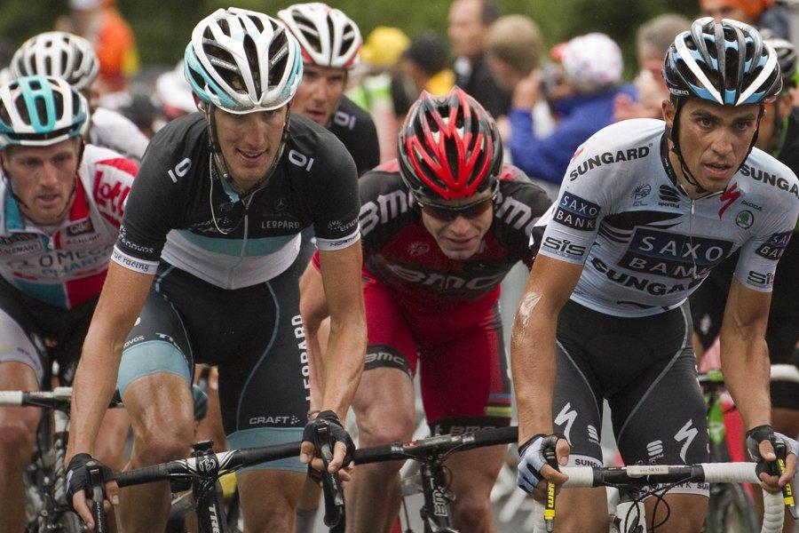Andy Schleck et Alberto Contador... (Photo: AFP)