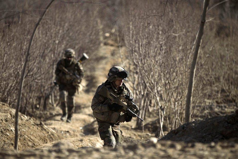 L'OTAN compte environ 130 000 soldats déployés en... (Photo: AFP)