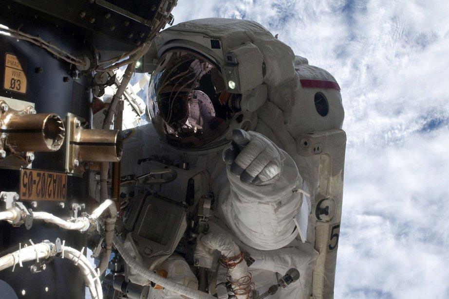 L'astronaute Mike Fossum... (Photo: Reuters)