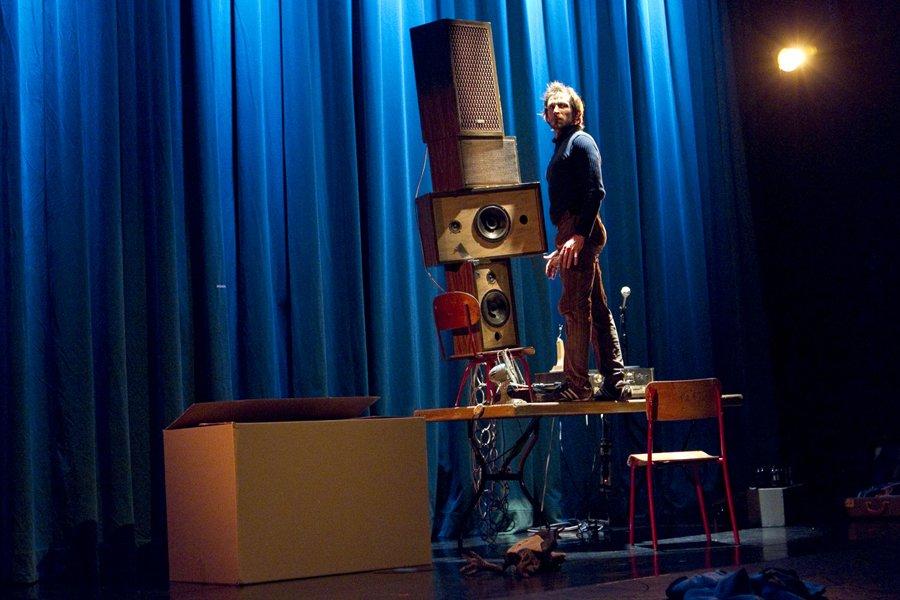 Patinoire, spectacle solo des 7 doigts de la... (Photo: Marco Campanozzi, La Presse)