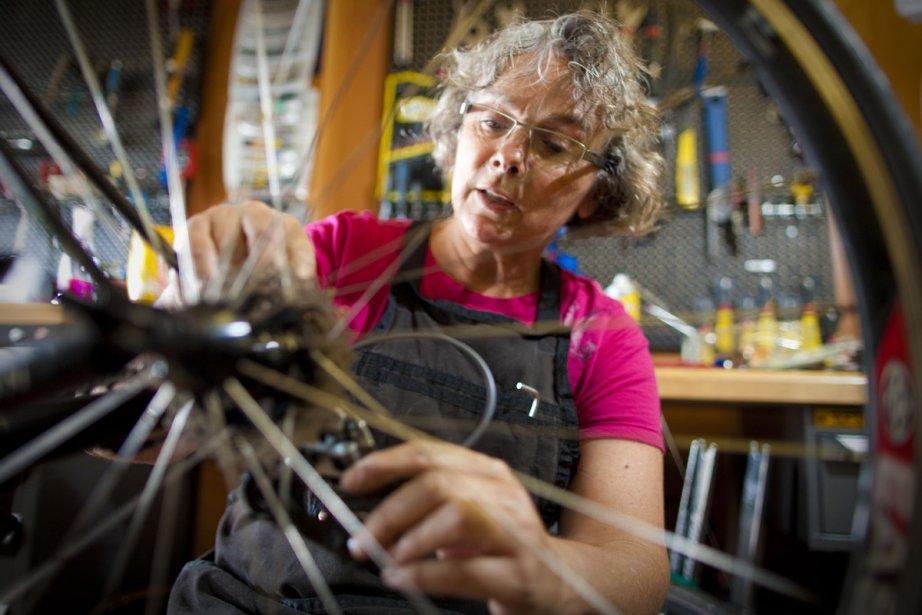 Denise Belzil a démonté son premier vélo à... (Photo: André Pichette, La Presse)