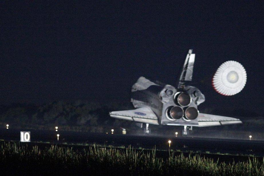 La navette Atlantis s'est posée ce matin à... (Photo: AFP)