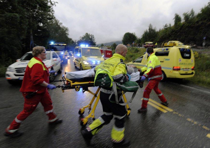 La Norvège est sous le choc. Près d'une centaine de personnes ont été tuées vendredi au cours de la seule fusillade sur l'île d'Utoya, près d'Oslo. Au moins sept autres personnes ont perdu la vie dans un attentat à Oslo qui a soufflé le siège du gouvernement. | 23 juillet 2011